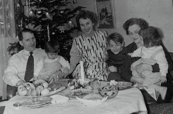 Olga_Eriksson_w_-family