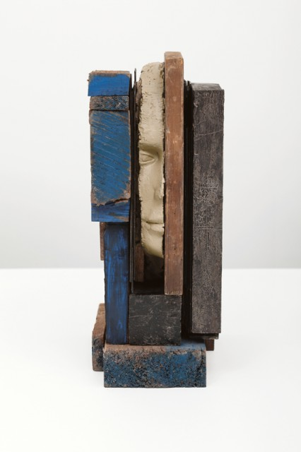 mark_manders_composition_with_bleu.0x640