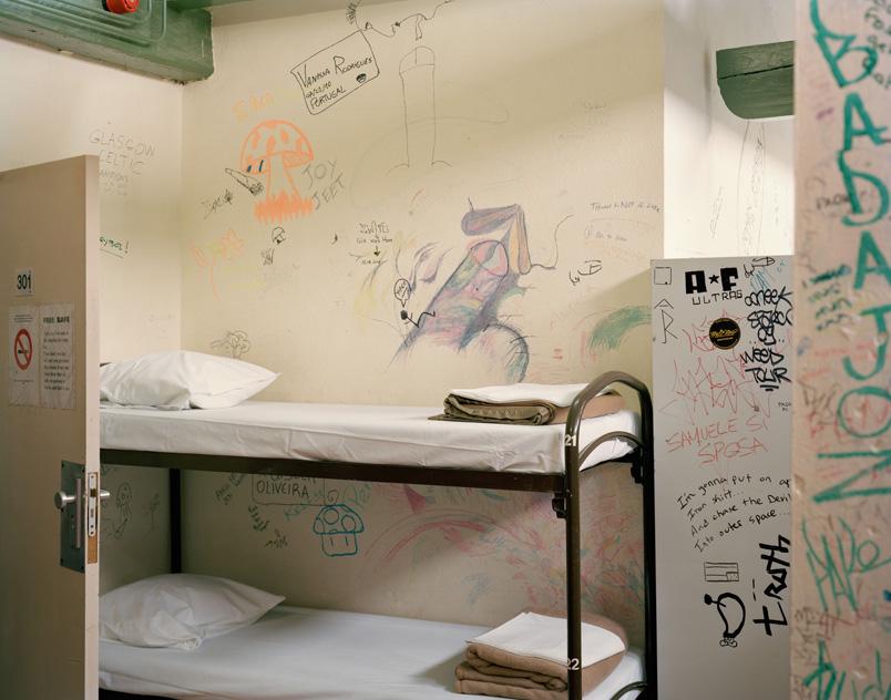 01-Hotel-The-Globe-Kamer-301-2010-c_-Dana-Lixenberg