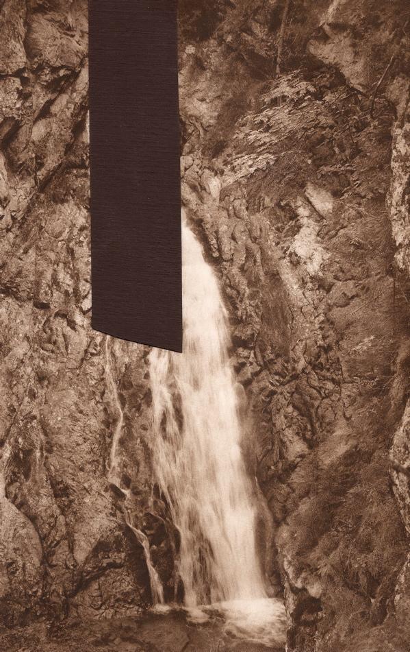 36_roschwaterfallhangsleftweb