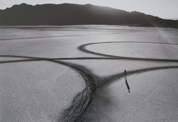 michael_heizer_circular_surface_planar_displacement_drawing_19701348795155163