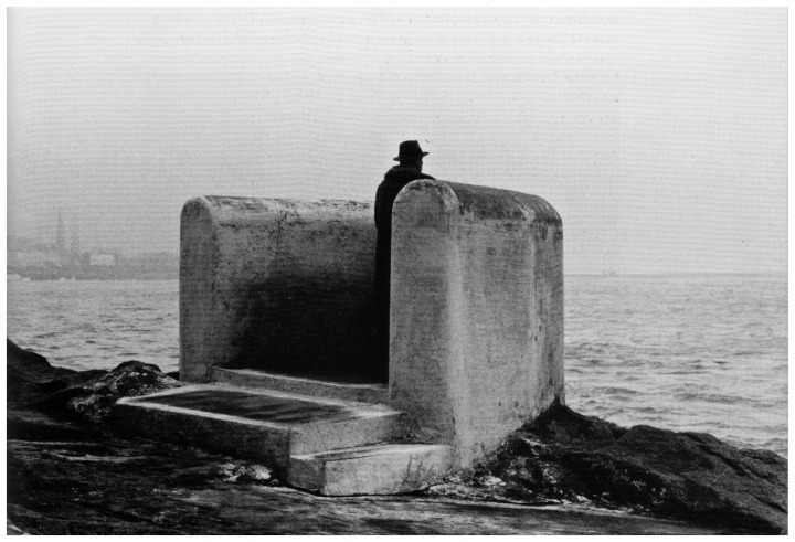039-beuys-at-sandycove-where-james-joyce-lived-before-leaving-ireland-for-europe