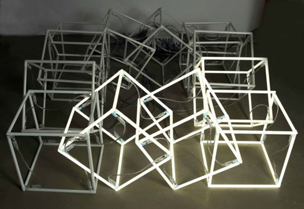 moving-neon-cube-2004-jeppe-hein