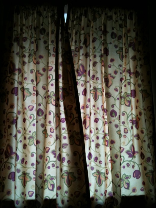 36.Curtains-525x700