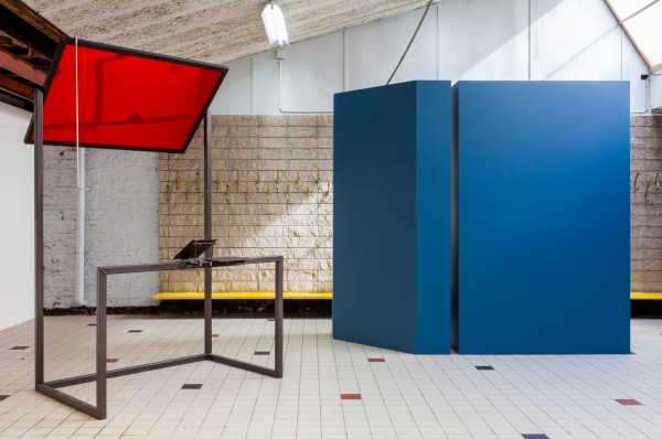 Céline-Condorelli-Additionals-Structure-for-Public-Speaking-2012-2013-in-The-Corner-Show'-installation-view-Extra-City-Kunsthal-2015-©-We-Document-Art-600x398