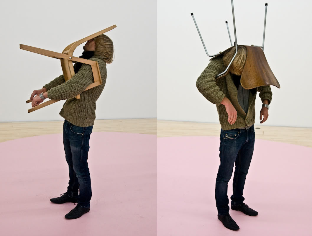 erwin-wurm-one-minute-sculpture